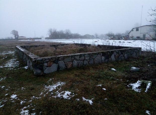 Земельный участок с фундаментом под дом в г.Носовка