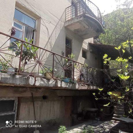 дом в живописной Грузии, город Тбилиси