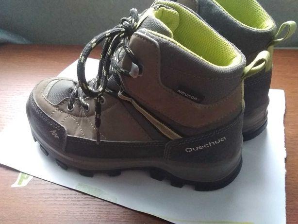 Ботинки 30 размер демисезонные фирмы Quechua
