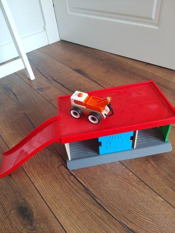 Garaż, stacja paliw, parking IKEA drewniana