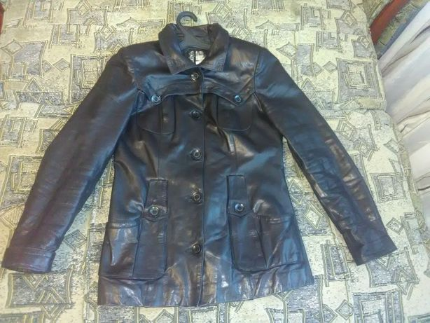 Кожаная куртка за 300 грн