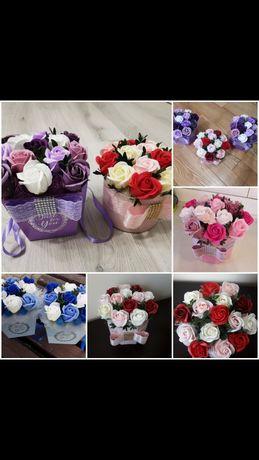 Букети з мильних троянд