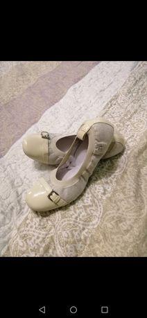 Шкіряні балетки