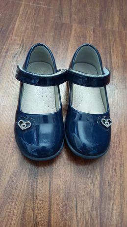 Туфли туфлі лакові