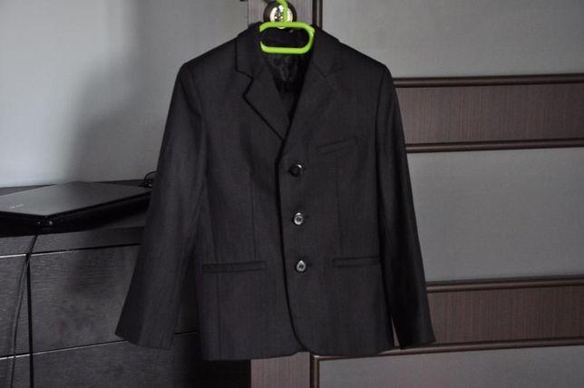 Продам костюм (форма школьная) для мальчика