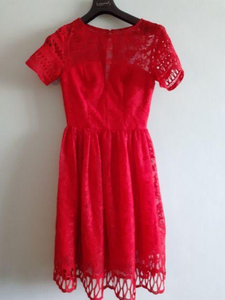 Sukienka czerwona koronkowa midi