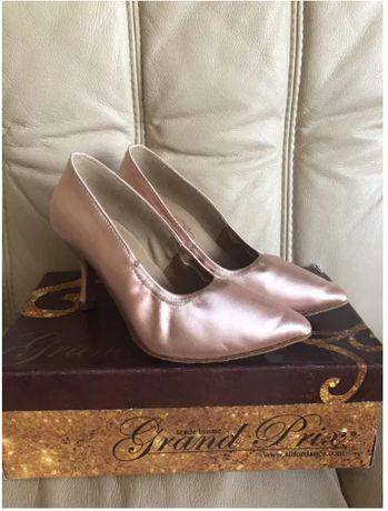 продаю туфли для бальных танцев