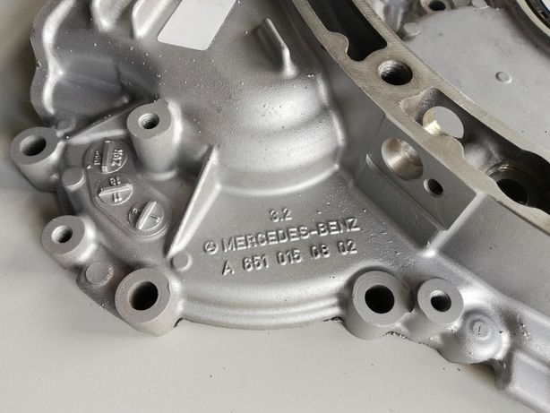 Tampa distribuição de motor Mercedes OM651
