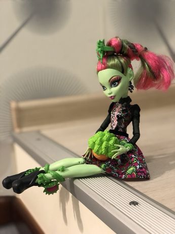 Кукла Монстер Хай Венера Макфлайтрап Оригинал Мрак и Цветение
