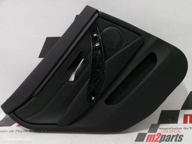 Forra da porta Cor Unica Esquerdo/Trás BMW Série 4 Semi-Novo