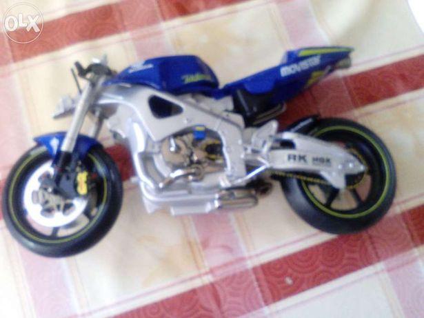 Miniatura mas de tamanho grande de Moto Honda GP Telefonica black prin