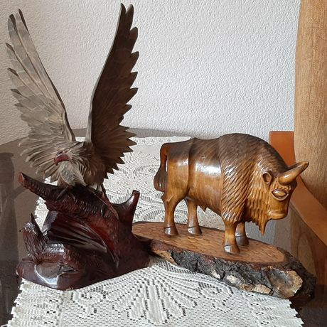 Sprzedam rzeźby drewniane.