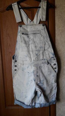 Продам джинсовый комбинезон 100 % хлопок