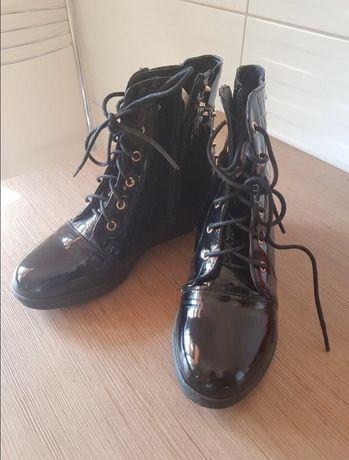Детские ботинки, сникерсы