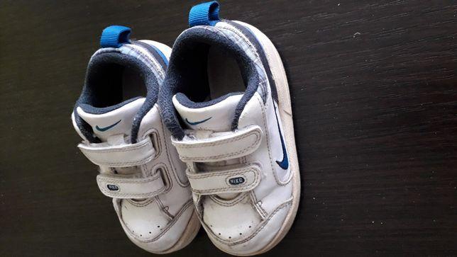 Adidasy Nike 22