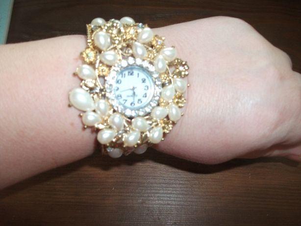 Часы - браслет женские