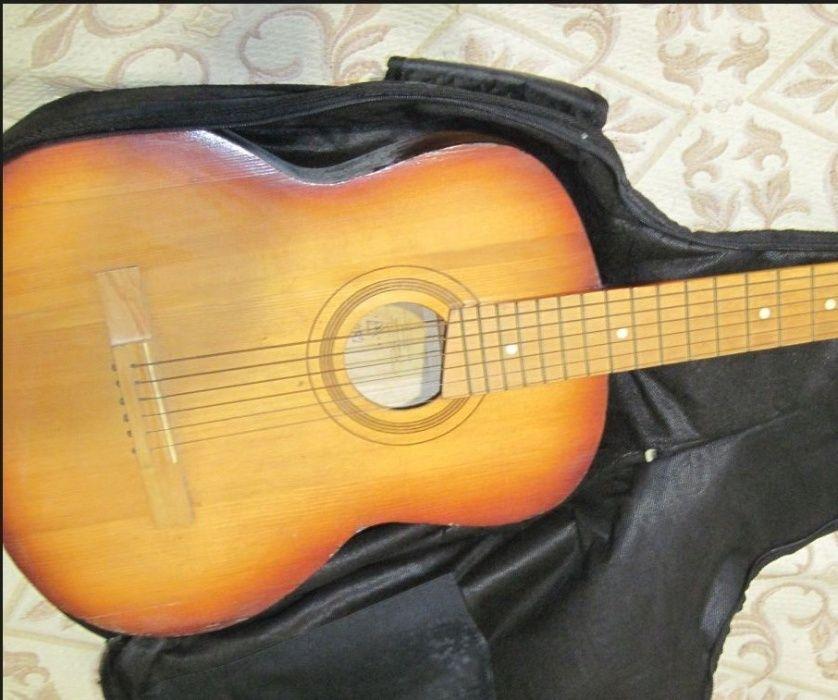 Шестиструнная гитара Чернигов - изображение 1