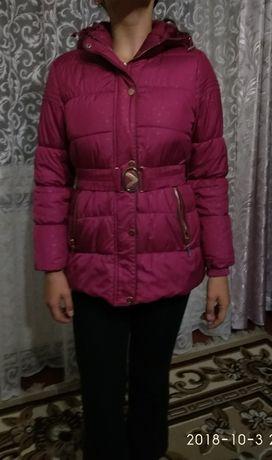 Куртка на 10-12 років.