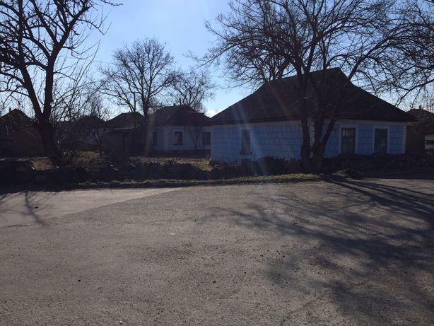 Продам,  2 будинки з присадибною ділянкою