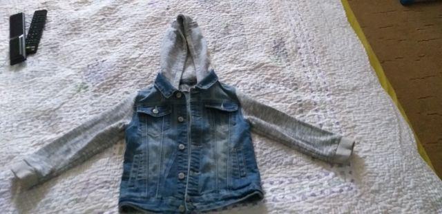 Курточка джинсовая на мальчика 4-5 лет или 110см
