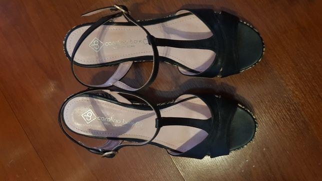 Vendo Sandálias de Salto