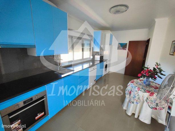 T2 em moradia isolada com 125m2 no Bairro do Girassol, Ra...