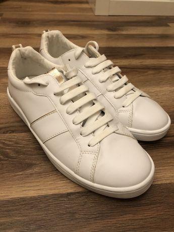 Buty sportowe trampki tenisówki białe stradivarius 37