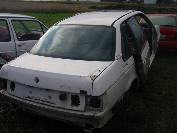 VW PASSAT B3, 1.8 BEZNYNA , Golf II 1.6, 1.8 wszystkie części tanio