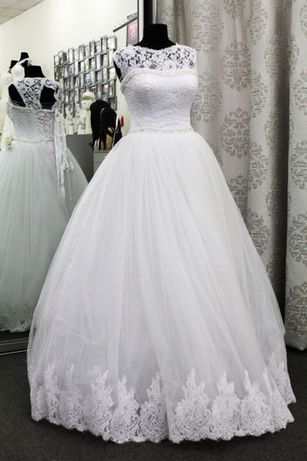 Продається нове дуже красиве пишне весільне плаття (свадебное платье)