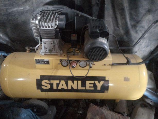 Kompresor Stanley 200 litrów nowy