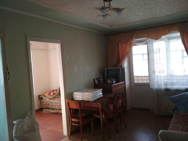 продам квартиру с жилым ремонтом , вода , газ , свет все удобства