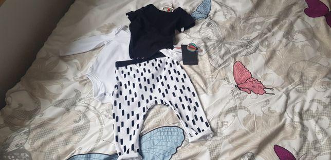 Chlopiecy komplecik spodnie i body