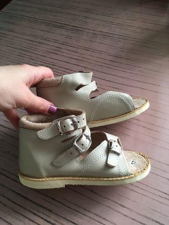 Ортопедическая обувь , сандали, босоножки, новая!