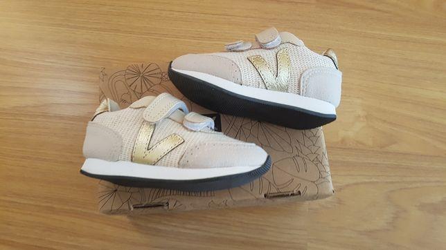 Sneakers Tamanho 23