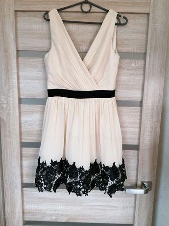 Нарядное платье с шикарным круживом