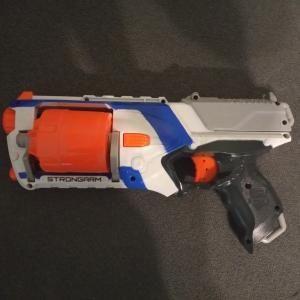 Zabawka dla dzieci nerf + strzałki