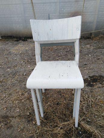 Krzesła bardzo wytrzymałe