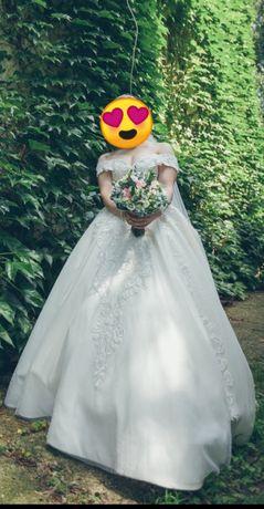 Шыкарное свадебное платье!!!