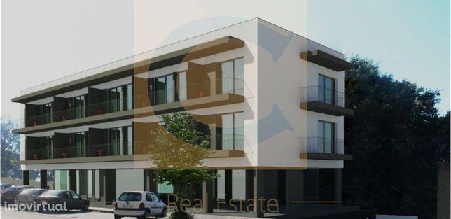 Excelente Apartamento No Pólo Universitário - C/ Garagem e Varanda