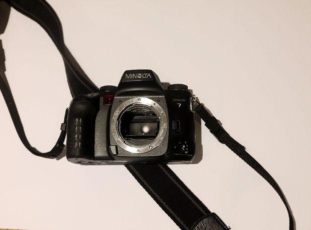 Aparat fotograficzny Minolta Dynax 7