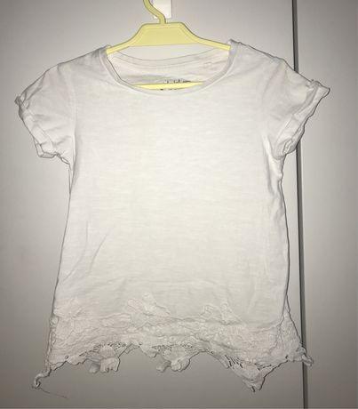 Next biała koszulka z haftowanymi kwiatami 110 cm