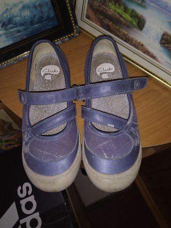 Туфли на девочку фирменные Clarks