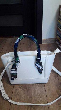 Biała torebka damska biała  bardzo elegancka