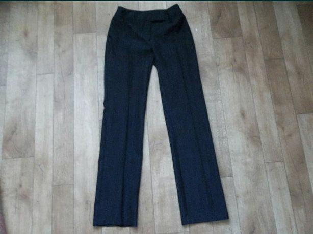 Штани,брюки жіночі(розмір 42).