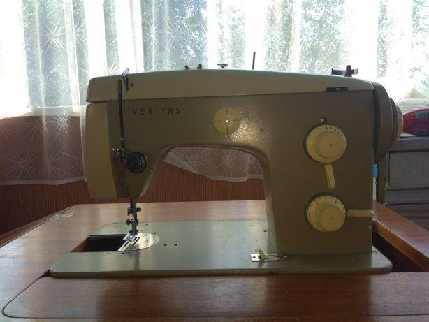 Швейна машина Германия