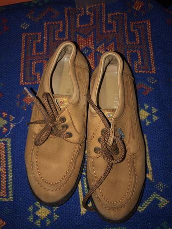 Sapatos de vela nr 34 com pouco uso