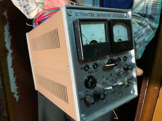 Зарядное устройство для аккумулятора  , ручная работа.