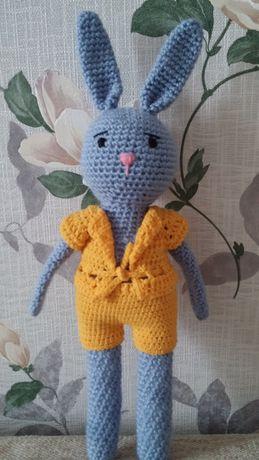 Длинноногий зайчик в костюме (ручная работа)