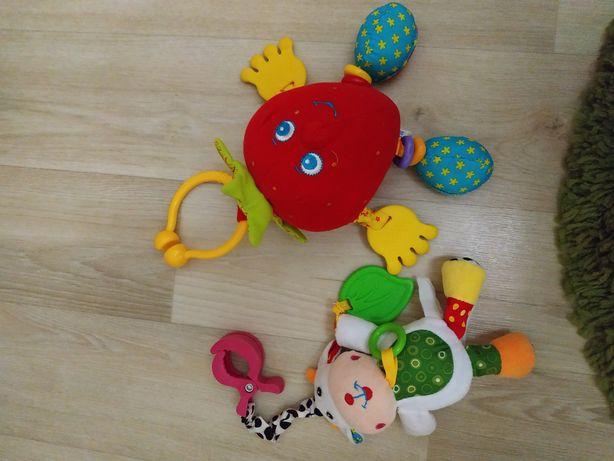 Продам игрушки для новорожденных