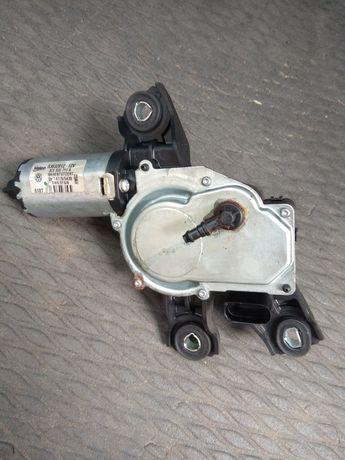 Silnik wycieraczki silniczek VW Passat B6 tył kombi